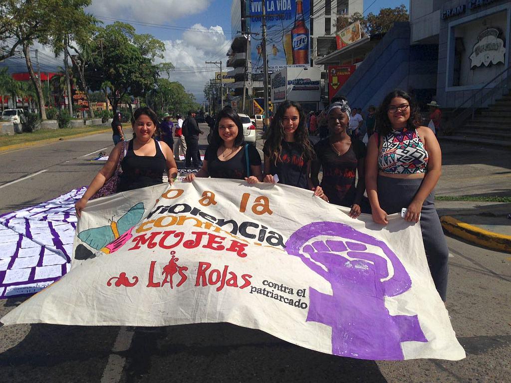 http://js.sobhonduras.org/images/rojas/las_rojas_8m.jpg